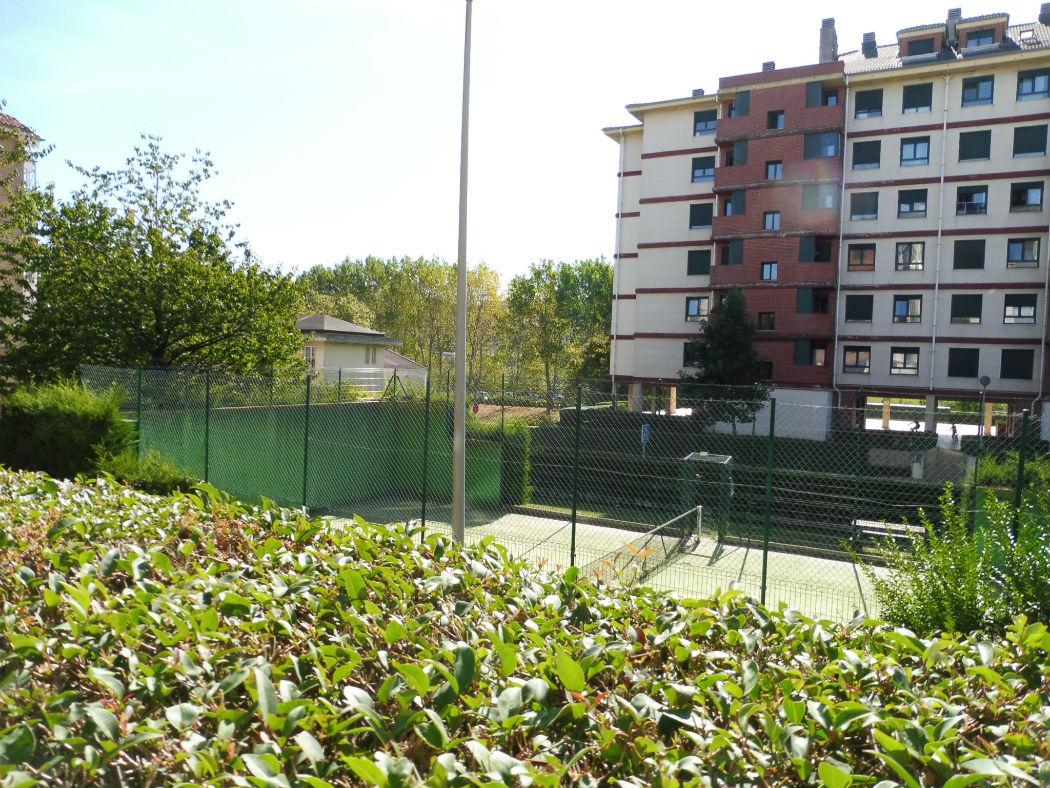 Se vende piso en urbanización privada en Santander