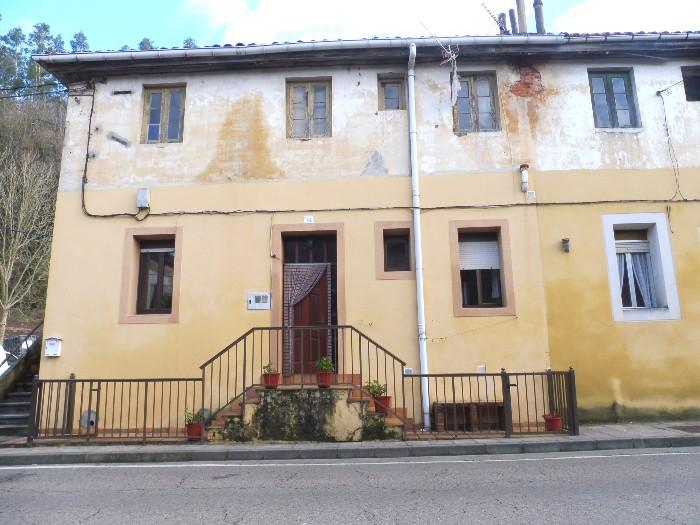 Se vende casa en el pueblo de La Cavada