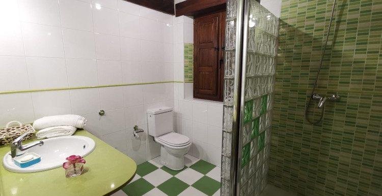 1 baño general planta baja