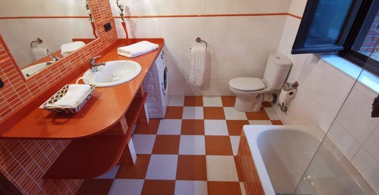 1 baño general primera planta