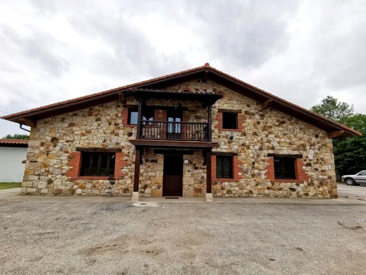 Se Vende casa de piedra al lado de Cabarceno